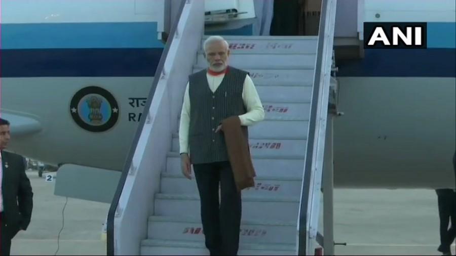 Narendra Modi,Narendra Modi at Uttarakhand,Narendra Modi at Kedarnath shrine,Kedarnath temple,Narendra Modi at Kedarnath temple