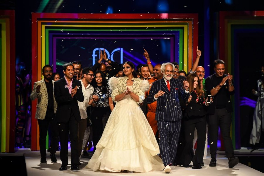 LGBTQ,LGBTQ community,LGBTQ Rights,LGBTQ india,LGBTQ fashion,Lotus Make-UP India Fashion Week,Lotus India,Fashion,section 377 homosexuality law