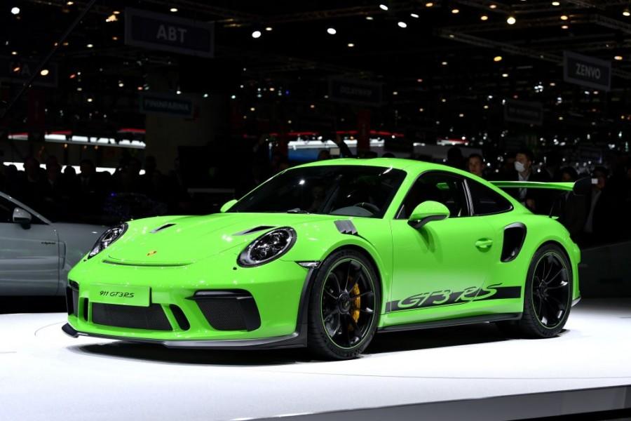 Porsche,Porsche India,Porsche 911,Porsche 911 GT2 RS,porsche 911 gt3,Porsche 911 GT3 RS,Porsche 911 GT2 RS price,Porsche Carrera,Porsche 911 Carrera S