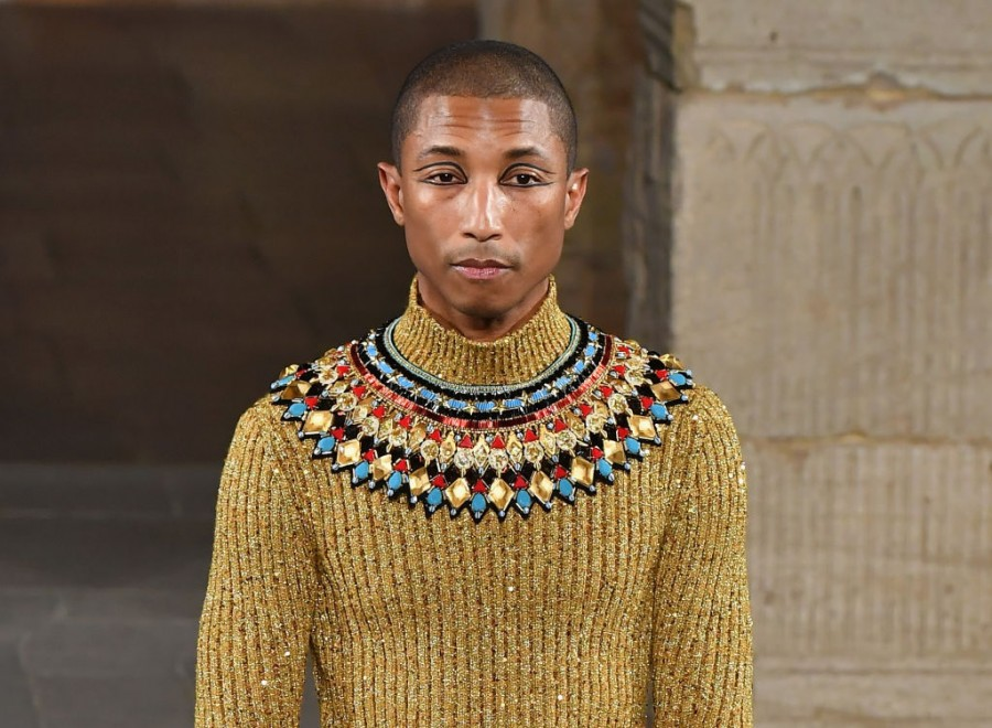 Pharrell Williams,Pharrell Williams chanel,chanel,Chanel Metiers D'Art,Metropolitan Museum of Art,New York City,Fashion,Chanel 2019 collection,Egypt,Egyptian Theme