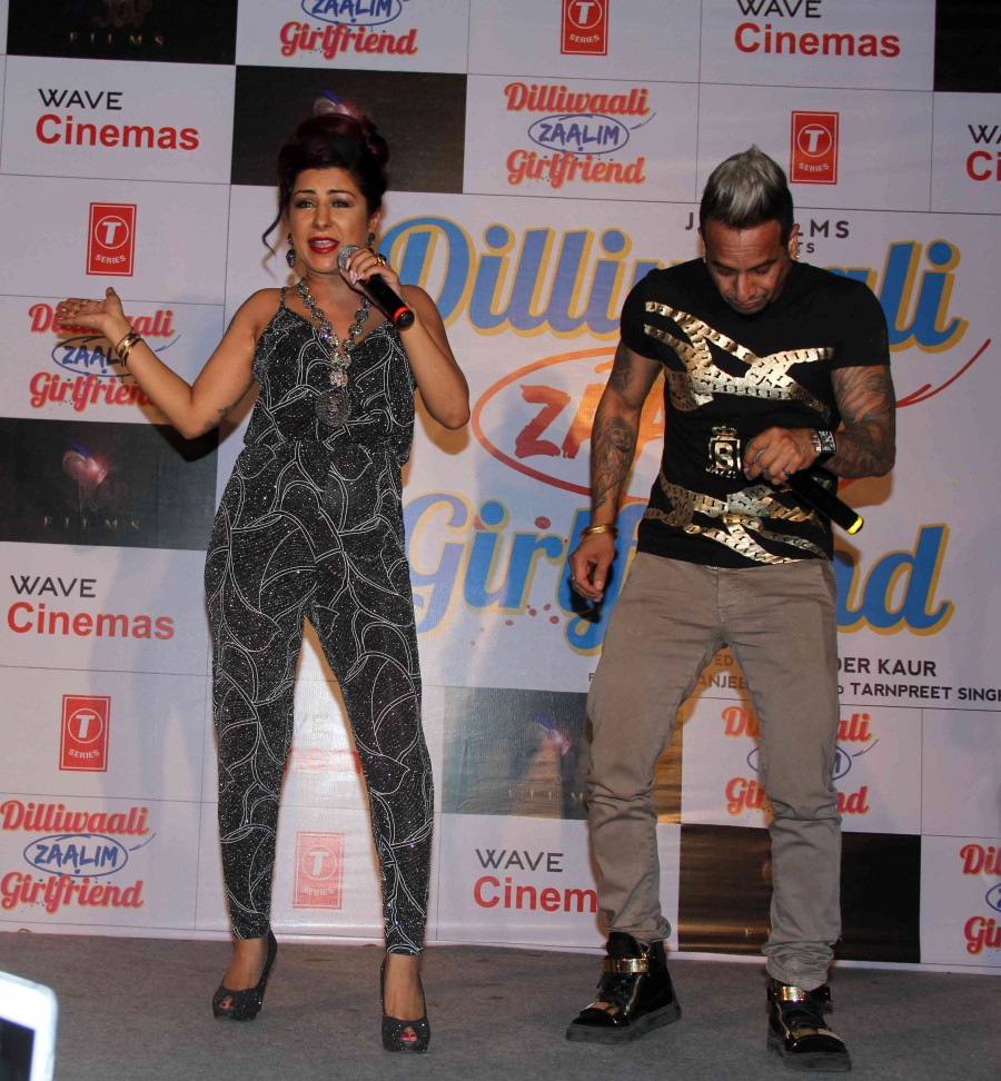 Dilliwali Zaalim Girlfriend,Divyendu Sharma,Jackie shroff,hard kaur,album launch,Jazzy B,Yo Yo Honey Singh,photos