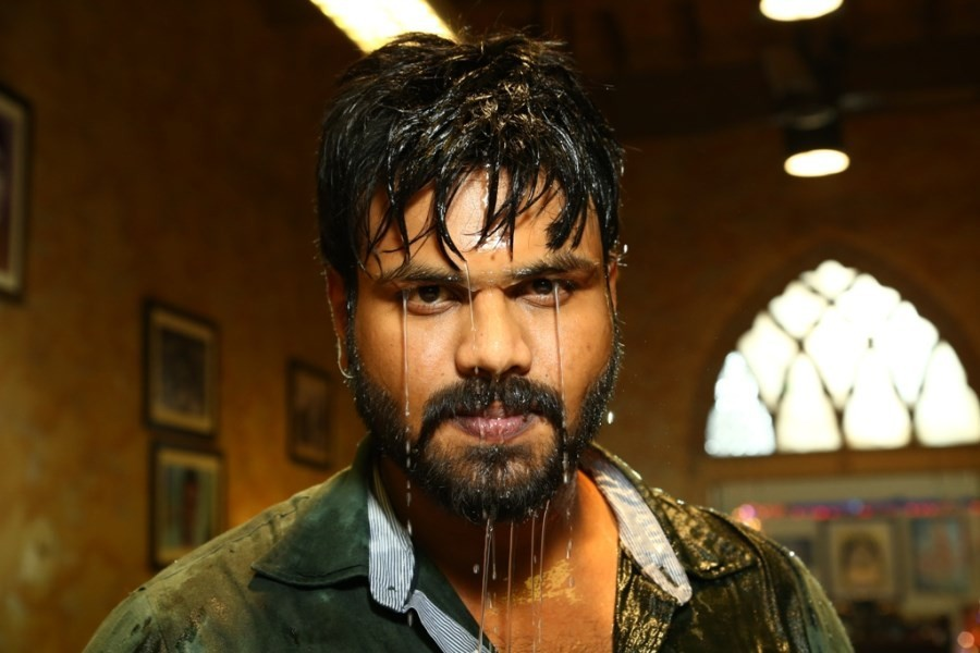 Attack,Attack movie stills,Attack movie pics,Manchu Manoj,Jagapati Babu,Surabhi,Ram Gopal Varma,Ram Gopal Varma movie,Prakash Raj