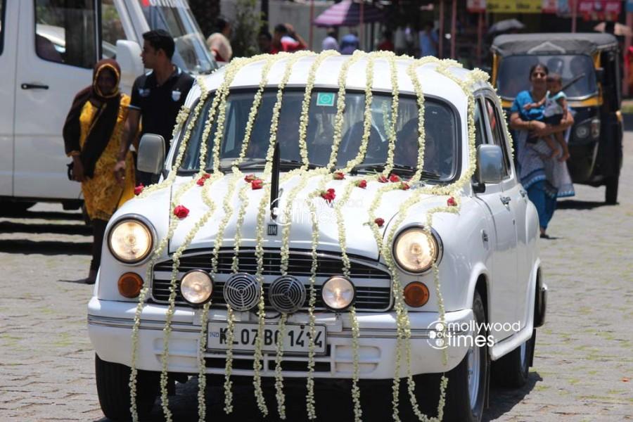 Muktha wedding photos,muktha rinku tomy wedding,rinku tomy wedding,muktha chatta mundu wedding,rimi tomy brother wedding