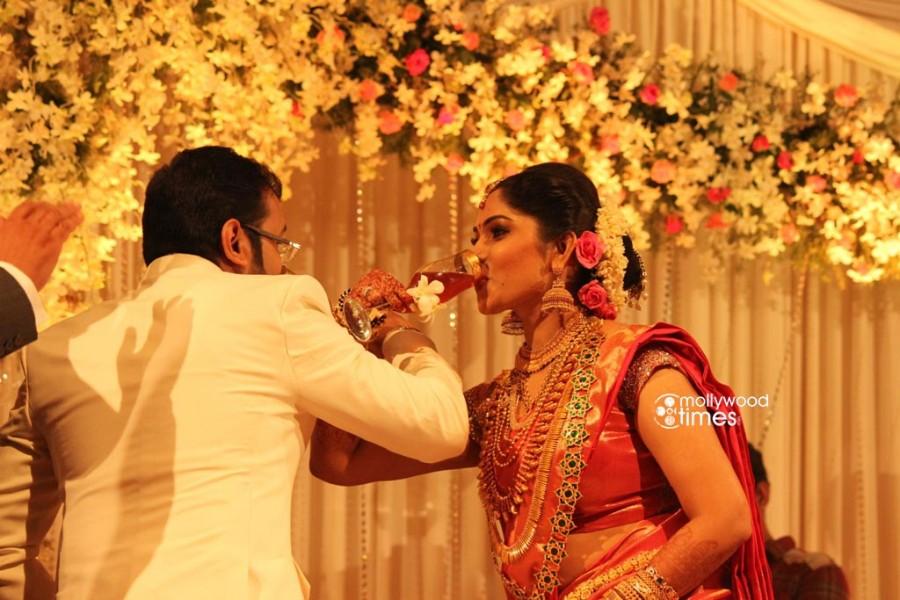 Muktha,muktha wedding reception,muktha reception photos,muktha rinku wedding reception