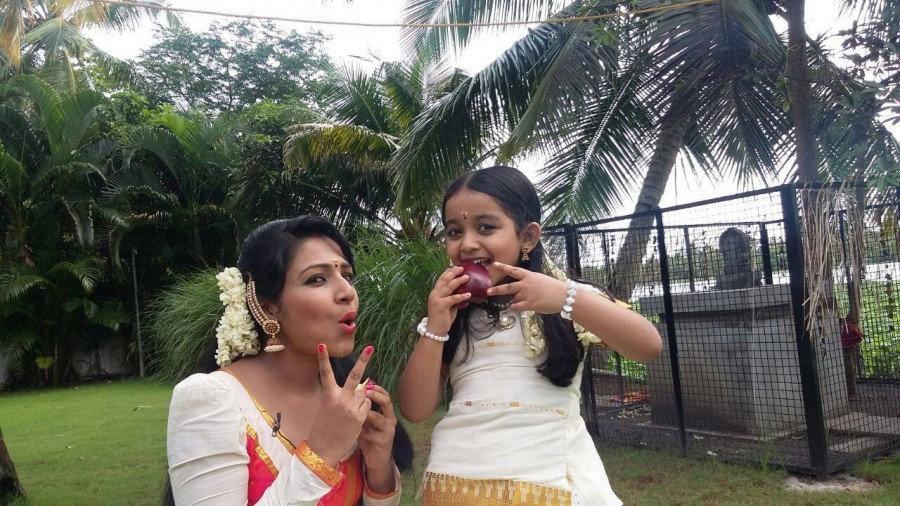 Nirangana g,janakikutty,Janakikkutty of 'Manjurukum Kaalam',Janakikkutty serial photos