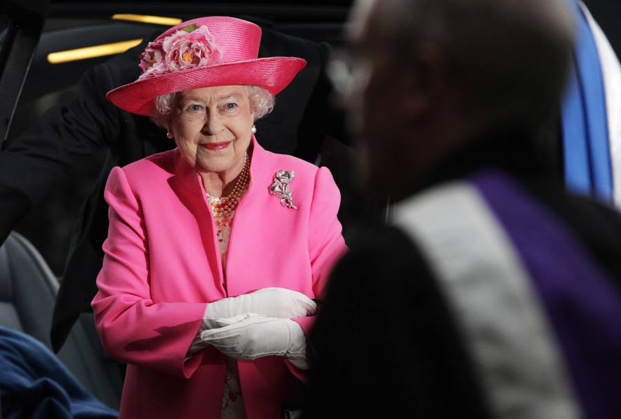 Queen Elizabeth II,queen elizabeth long reign,queen elizabeth record reign,63 year reign,longest reigning British monarch,Queen Victoria,Prince Philip,British Royal Family