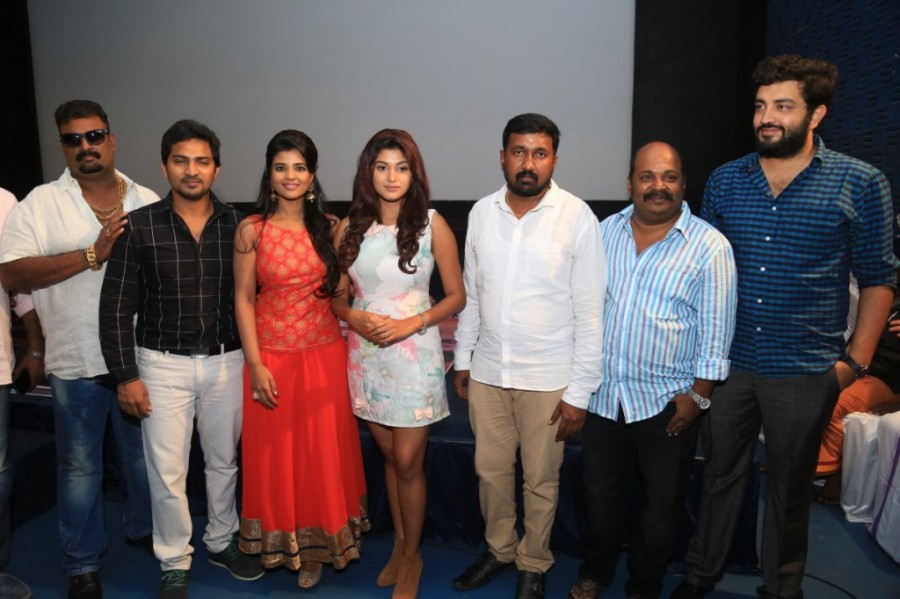 Hello Naan Pei Pesuren Audio Launch,Hello Naan Pei Pesuren,Vaibhav Reddy,Oviya,Aishwarya Rajesh,Sundar C,VTV Ganesh,Thalapathy Dinesh,Siddharth Vipin,Hello Naan Pei Pesuren Audio Launch pics,Hello Naan Pei Pesuren Audio Launch images,Hello Naan Pei Pesure