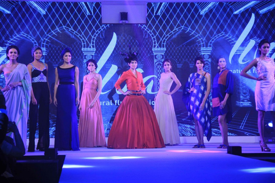 Kangana ranaut,kangana ranaut fashion show,kangana ranaut ramp,kangana ranaut photos,Birla cellulose Launch of LIVA