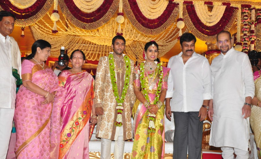 Adiseshagiri Rao son wedding,Adiseshagiri Rao son wedding respection,Adiseshagiri Rao son marriage,Mahesh Babu,Chiranjeevi,Allari Naresh,Rajendra Prasad,Venkatesh,Gopichand,Mohan Babu,Murali Mohan,Allu Aravind
