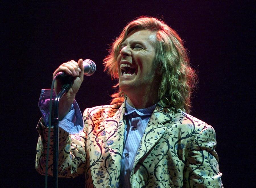 David Bowie,singer David Bowie,David Bowie dies,David Bowie cancer,David Bowie death,David Bowie dead,Legendary English singer David Bowie