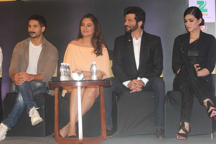 ZEE Cine Awards 2016 Press Conference,ZEE Cine Awards 2016,Anil Kapoor,Shahid Kapoor,Sonakshi Sinha,Kriti Sanon,ZEE Cine Awards,ZEE Cine
