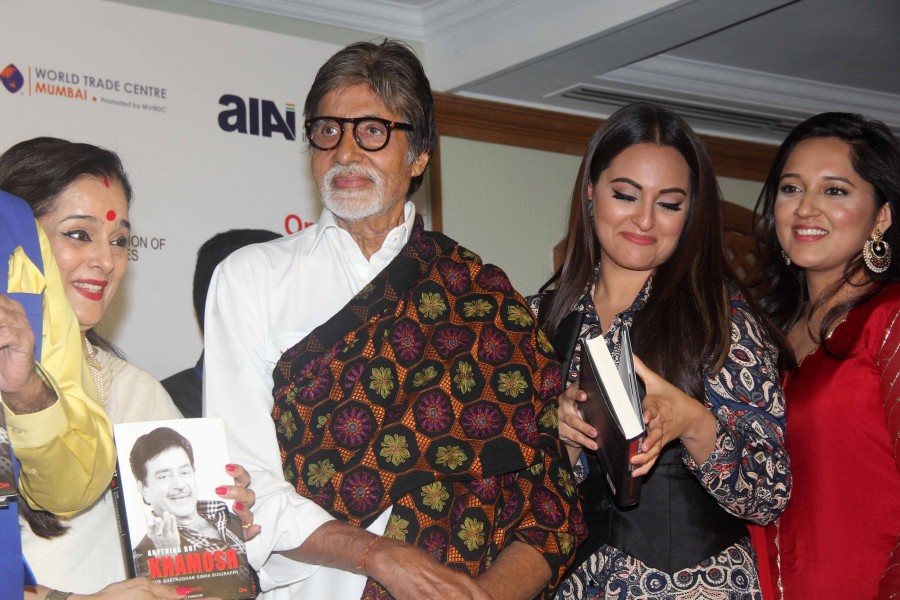 Amitabh Bachchan,Sonakshi Sinha,Shatrughan Singha's biography,Shatrughan Singha's biography launch,Big B launches Shatrughan Singha's biography,Shatrughan Singha biography