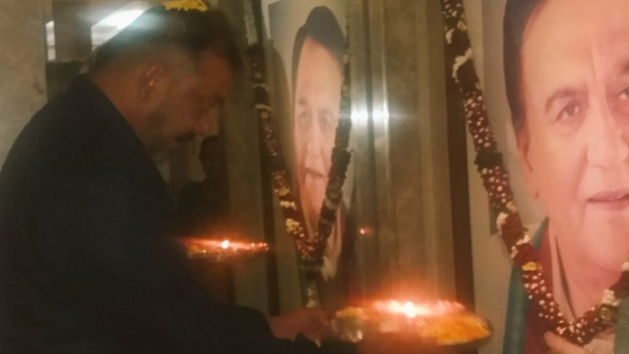 Sanjay Dutt out of Jail: A glimpse at his Activities post release