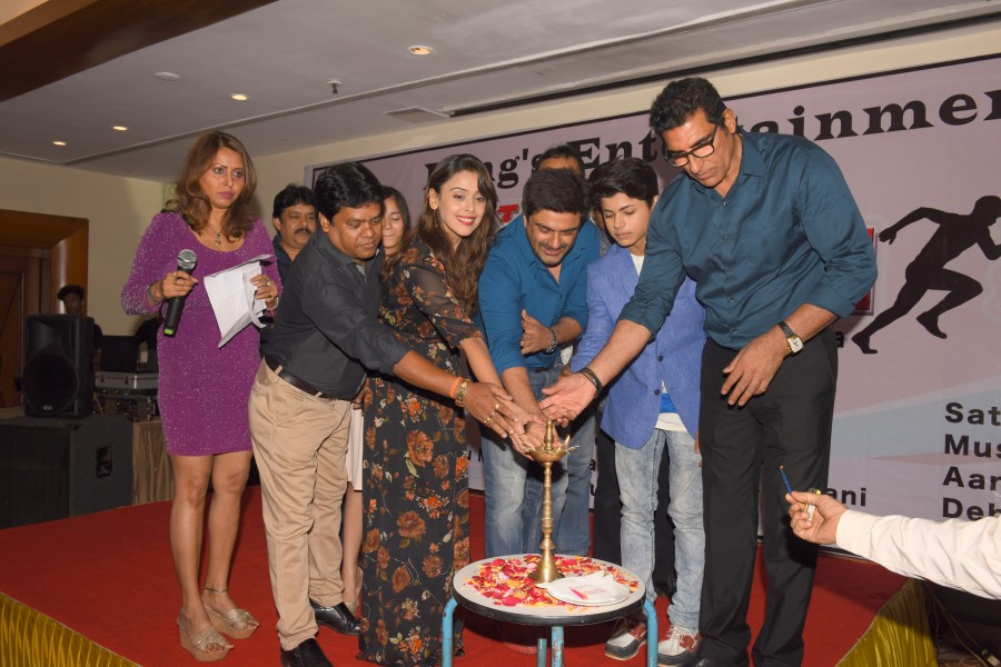 Samir Soni,Siddharth Nigam,Tez Raftaar,Tez Raftaar movie launch,Tez Raftaar movie launch pics,Tez Raftaar movie launch images,Tez Raftaar movie launch photos,Tez Raftaar movie launch stills,Tez Raftaar movie launch pictures