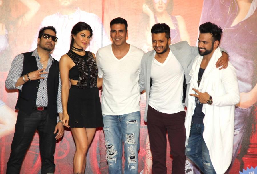 Housefull 3's first song launch,Taang Uthake,Taang Utha ke,Taang Utha ke song launch,Akshay Kumar,Abhishek Bachchan,Riteish Deshmukh,Jacqueline Fernandez