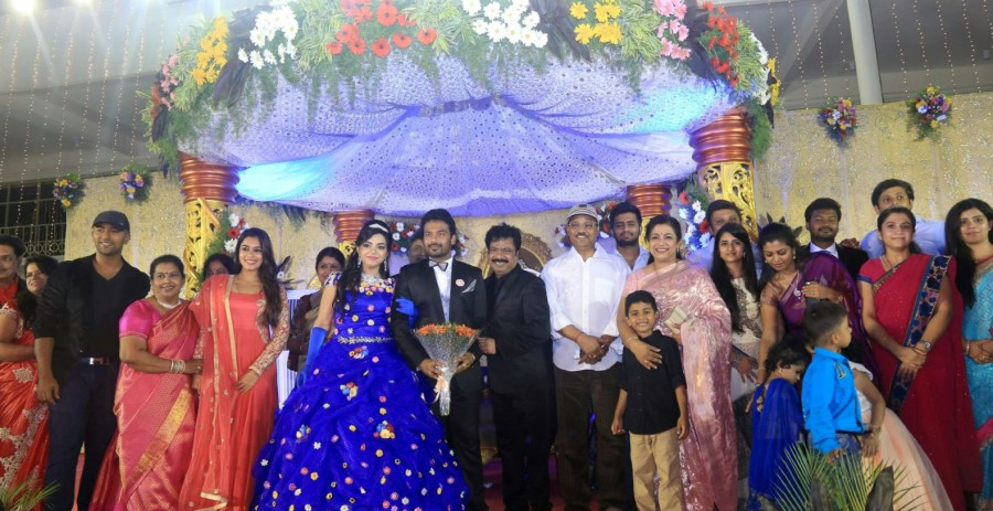 Pandiarajan,Pandiarajan's son Prithvi Rajan and Akshaya Premnath Wedding Reception,Prithvi Rajan and Akshaya Premnath Wedding Reception,Prithvi Rajan Wedding Reception,Akshaya Premnath Wedding Reception,Vijay,Vishal,Vivek,Karthi,AR Murugadoss,KS Ravi