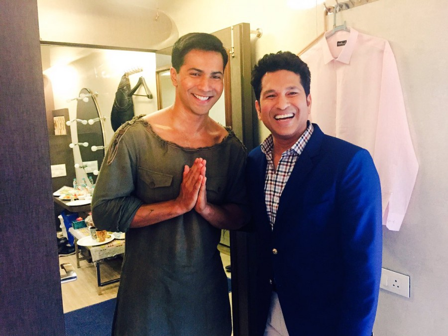 Varun Dhawan,Sachin Tendulkar,Varun Dhawan meets Sachin Tendulkar,Dishoom,Dishoom actor,Dishoom actor Varun Dhawan,Sachin meets Varun Dhawan,Sachin