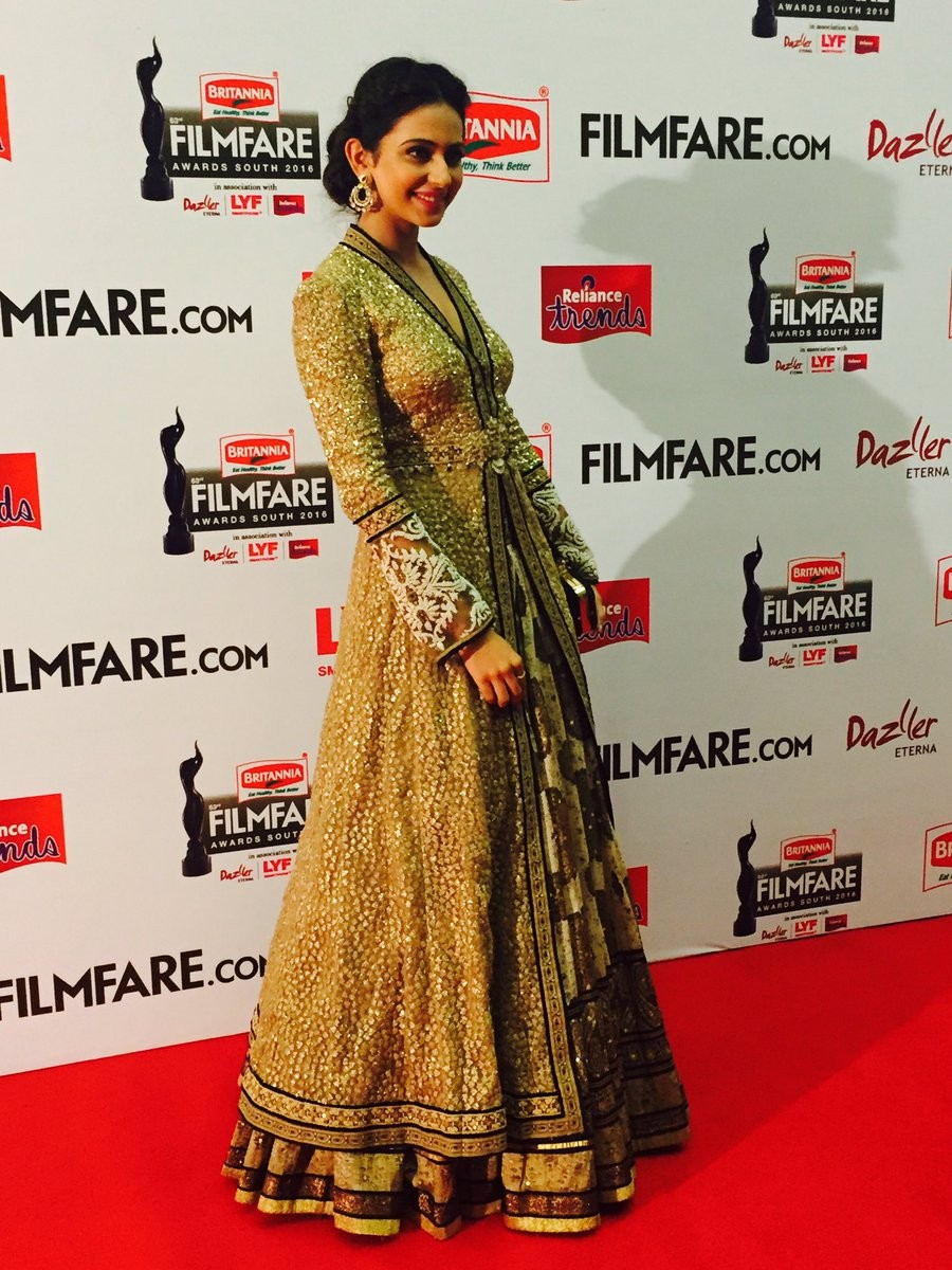 Filmfare Awards 2016,filmfare awards,filmfare awards 2016 performances,Filmfare Awards 2016 nominations,Filmfare Awards 2016 winners,Ritika Singh,Rakul Preet Singh,Parul yadav,Catherine Tresa,Filmfare Awards pics,Filmfare Awards images,Filmfare Awards pho