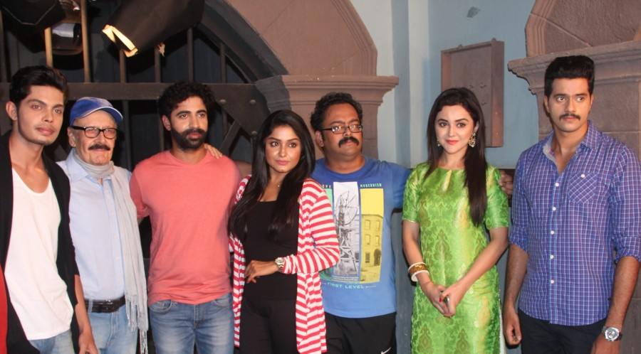 Chal Akela Re movie launch,Chal Akela Re,ayantani Guhathakurta,Ragini Nandwani,Yuvraj Singh,Shyam Bansal,Chal Akela Re movie launch pics,Chal Akela Re movie launch images,Chal Akela Re movie launch photos,Chal Akela Re movie launch stills,Chal Akela Re mo
