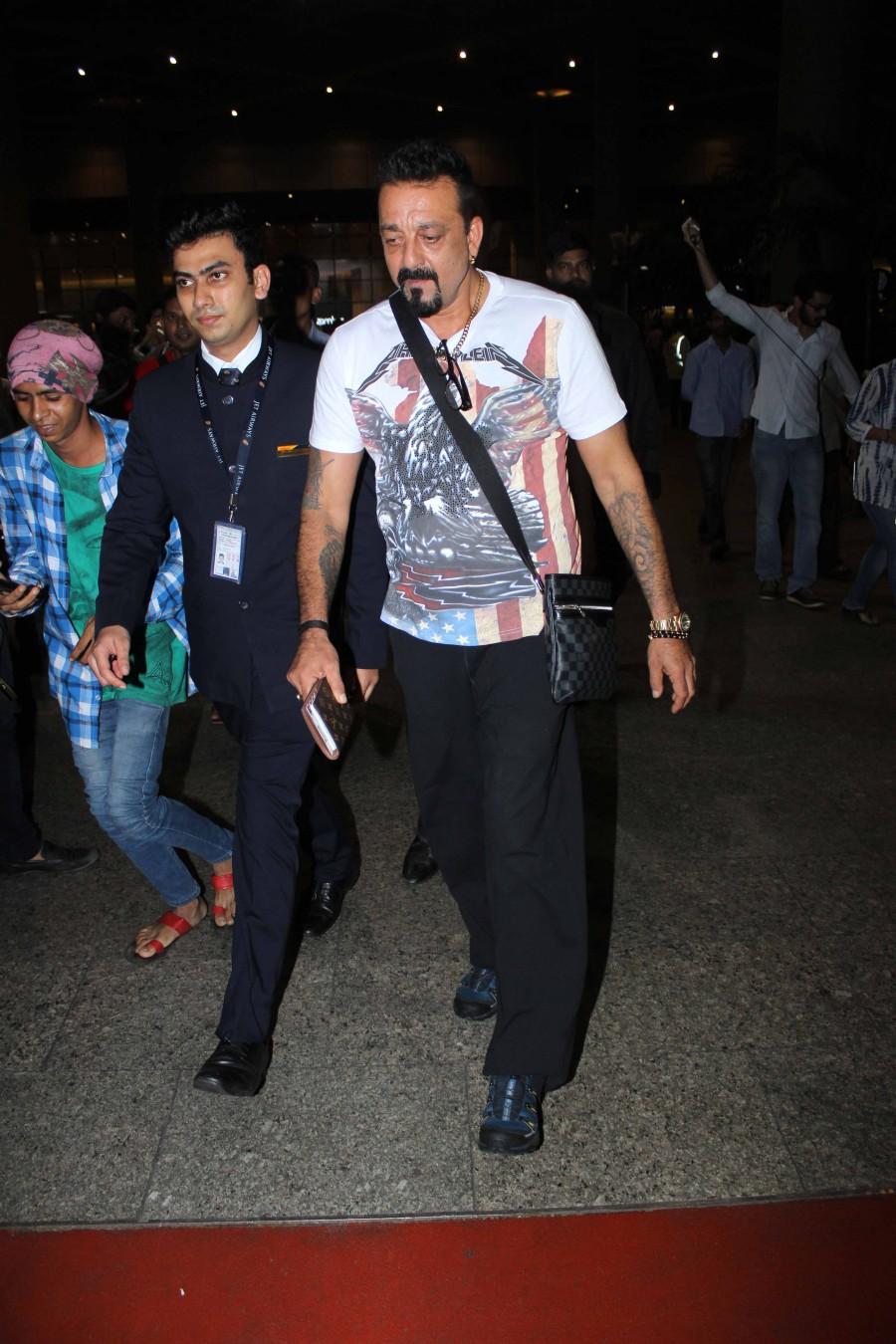 Shradha Kapoor,Katrina Kaif,Sanjay Dutt,Shradha Kapoor spotted at mumbai airport,Katrina Kaif spotted at mumbai airport,Sanjay Dutt spotted at mumbai airport,Celebs at airport