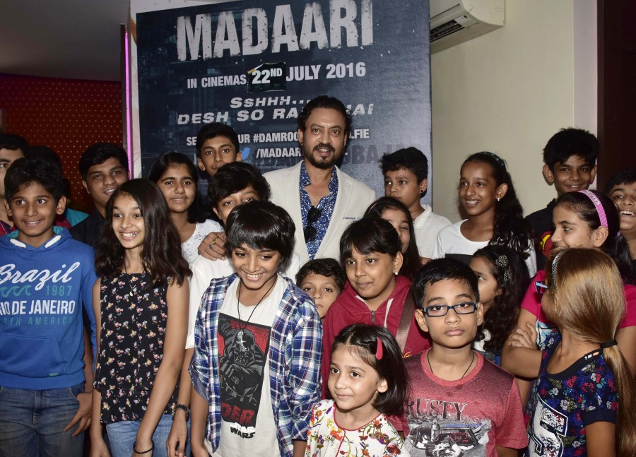 Irrfan Khan,Madaari,Madaari special screening,bolywood movie  Madaari,Irrfan Khan organises special screening of Madaari for children