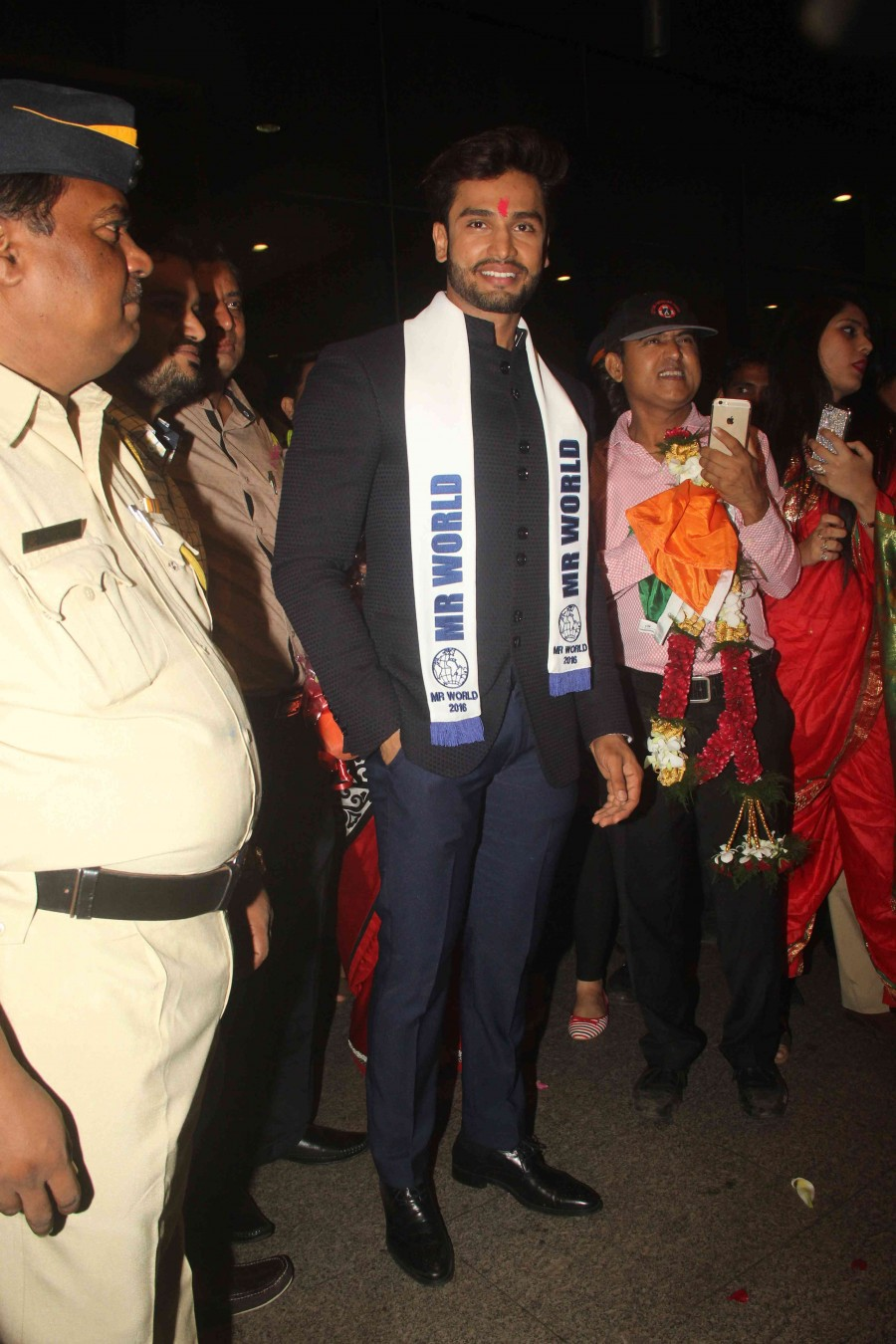 Rohit Khandelwal,Mr World 2016 Rohit Khandelwal,Rohit Khandelwal snapped at Mumbai airport,Rohit Khandelwal at Mumbai airport,Rohit Khandelwal winner,Mr India Rohit Khandelwal,Rohit khandelwal wins multimedia round