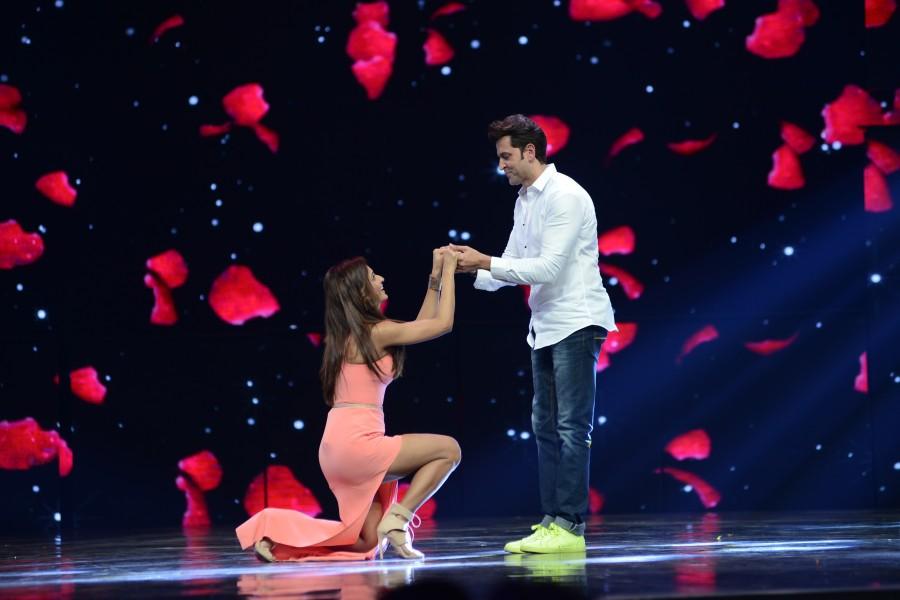 Shakti Mohan,Shakti Mohan proposes Hrithik Roshan on Dance +,Hrithik Roshan,Dance +,Mohenjadaro,Mohenjadaro promotion