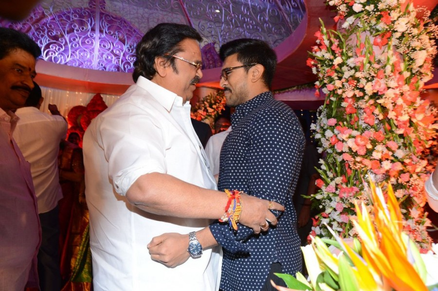 Ram Charan,Nani,Allari Naresh,SS Rajamouli,Akhil Akkineni,Raashi Khanna,Rakul Preet Singh,VV Vinayak,Trivikram Srinivas,Dasari Narayana Rao,DVV Danayya's daughter wedding reception,DVV Danayya