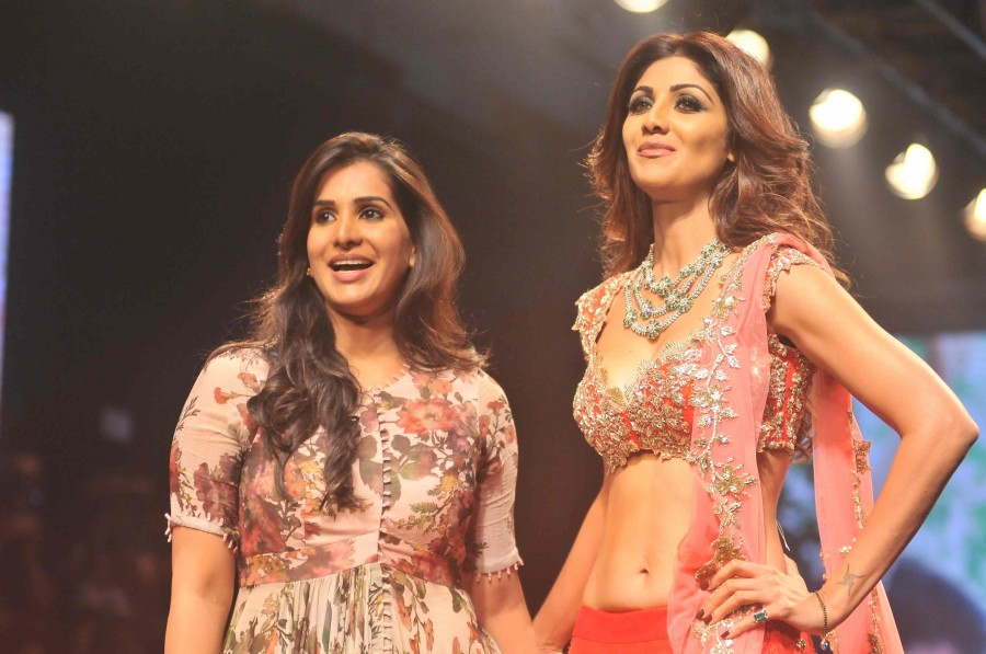 Shilpa Shetty,Shilpa Shetty at Lakme Fashion Week 2016,Lakme Fashion Week 2016,Lakme Fashion Week,Shilpa Shetty pics,Shilpa Shetty images,Shilpa Shetty photos,Shilpa Shetty stills,Shilpa Shetty pictures,LFW,LFW 2016