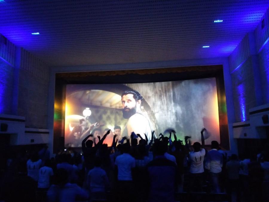 Iru Mugan mania,Iru Mugan,Iru Mugan release,Vikram fans,Vikram,nayanthara,iru mugan review,Iru Mugan preview,Iru Mugan pics,Iru Mugan images,Iru Mugan photos,Iru Mugan stills,Iru Mugan pictures