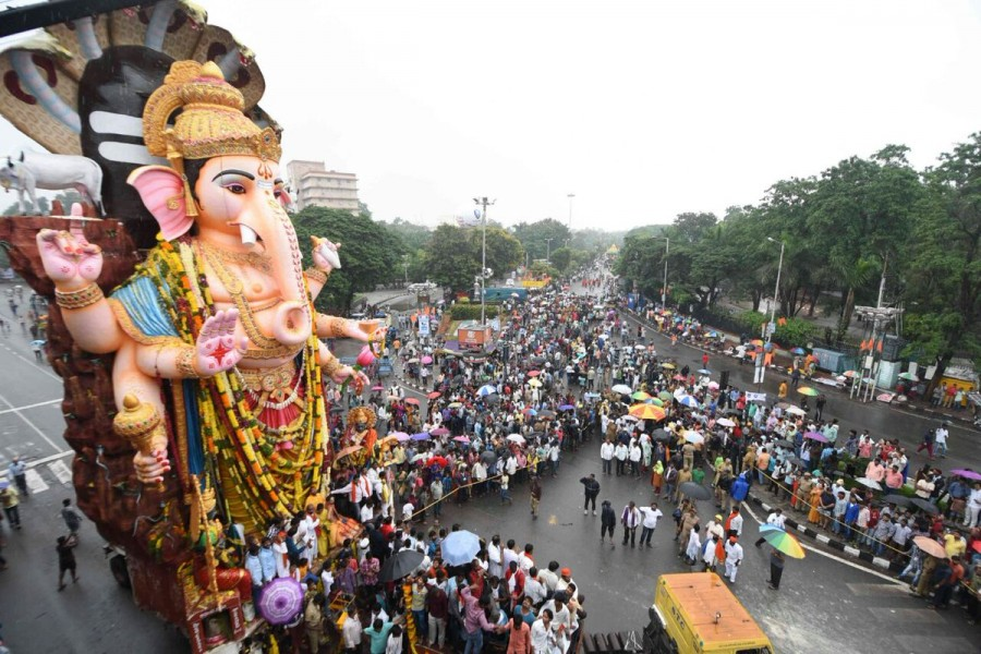 Maha Ganapathi,Maha Ganapathi immersion,Maha Ganapathi immersion in Hyderabad,Ganapathi immersion in Hyderabad,Ganesh Visarjan,Ganesh Visarjan in Hyderabad,Ganesh Visarjan pics,Ganesh Visarjan images,Ganesh Visarjan photos,Ganesh Visarjan pictures