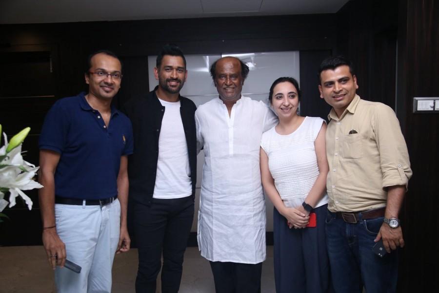 MS Dhoni,Sushant Singh Rajput,Rajinikanth,Superstar Rajinikanth,MS Dhoni meets Superstar Rajinikanth,Dhoni meets Superstar Rajinikanth,Dhoni meets Rajinikanth,Dhoni with Rajinikanth