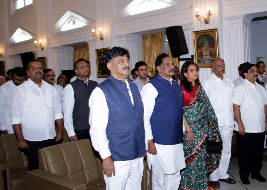 KJ George,KJ George swears in as Minister,KJ George is back,KJ George as Minister,Governor Vajubhai R Vala,Siddaramaiah,CM Siddaramaiah,KJ George swars