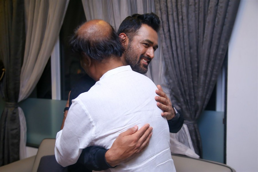 MS Dhoni,Sushant Singh Rajput,Rajinikanth,Superstar Rajinikanth,MS Dhoni meets Superstar Rajinikanth,Dhoni meets Superstar Rajinikanth,Dhoni meets Rajinikanth,Dhoni with Rajinikanth