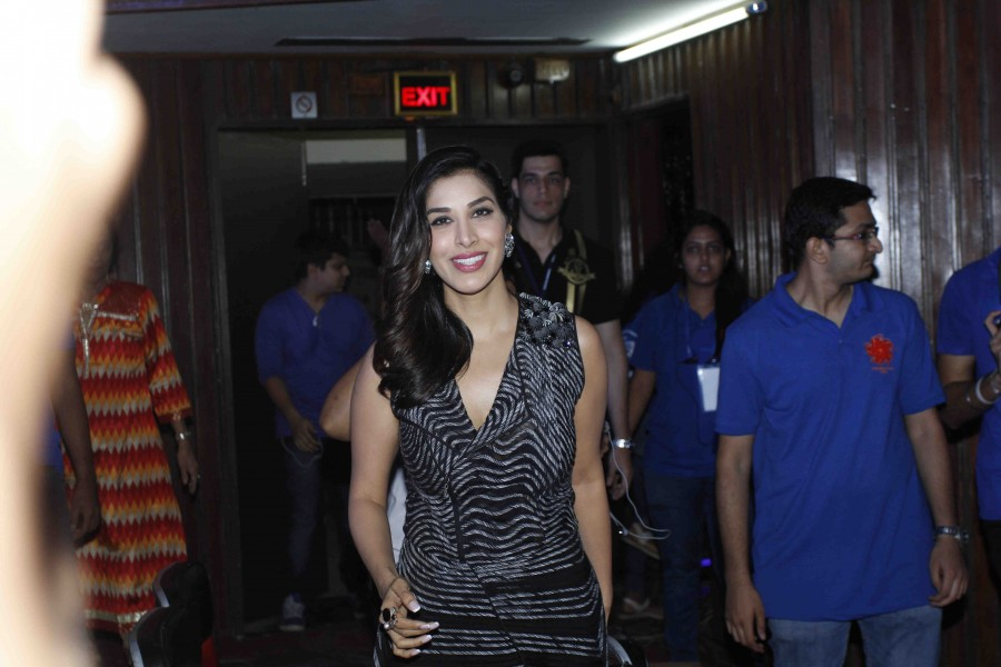Photos of Bollywood actress Sophie Choudry judges Chakravyuh, an inter-collegiate festival.
