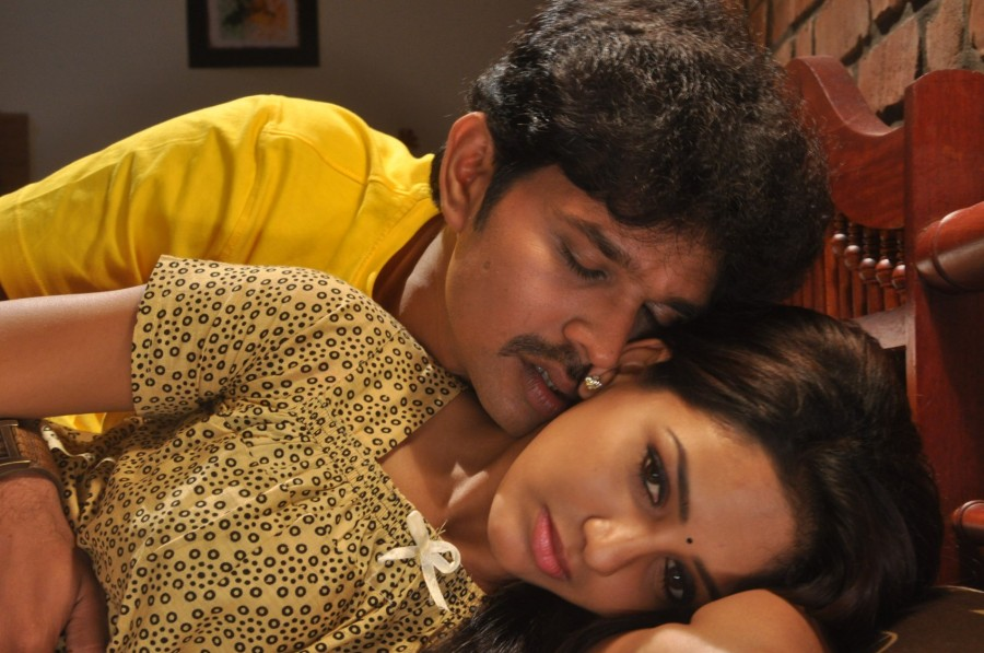 Ini Avane,tamil movie Ini Avane,Santosh,Bhavani Reddy,Ash Leela,Ini Avane movie pics,Ini Avane movie stills