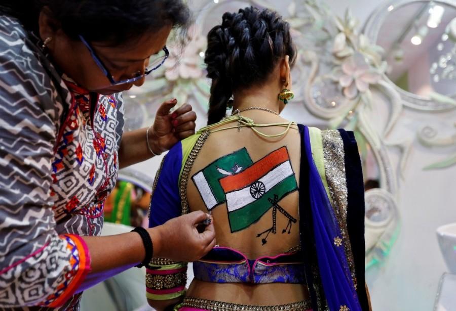 Navrati,Navrati celebrations,Navrati festival,Durga,Durga Puja,Navrati celebration,Navrati celebration pics,Navrati celebration images,Navrati celebration photos,Navrati celebration stills,Navrati celebration pictures