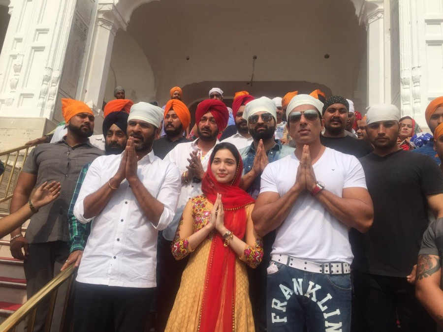 Prabhu Deva,Sonu Sood,Tamannaah Bhatia,Prabhu Deva visits Golden temple,Sonu Sood visits Golden temple,Tamannaah Bhatia visits Golden temple,Prabhu Deva at Golden temple,Sonu Sood at Golden temple,Tamannaah Bhatia at Golden temple,Tutak Tutak Tutiya,Tut