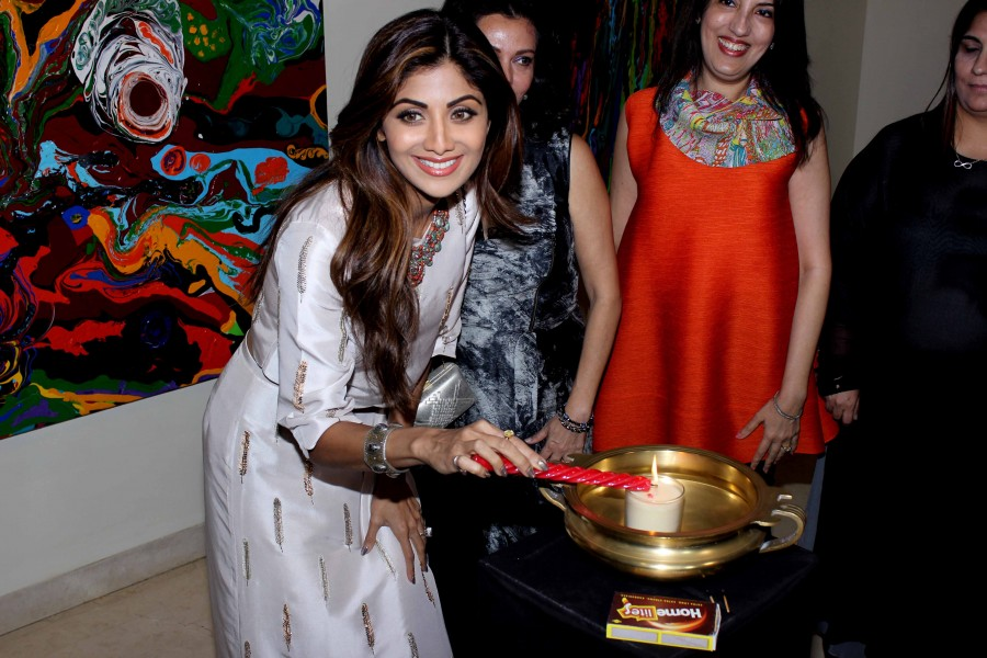 Shilpa Shetty,Shilpa Shetty inaugurates Anu Malhotra,Flow Dreams,Shilpa Shetty pics,Shilpa Shetty images,Shilpa Shetty photos,Shilpa Shetty pictures,Shilpa Shetty latest pics,Shilpa Shetty latest pictures,Shilpa Shetty latest photos