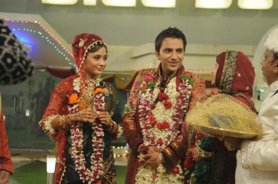 Sara Khan and Ali Merchant
