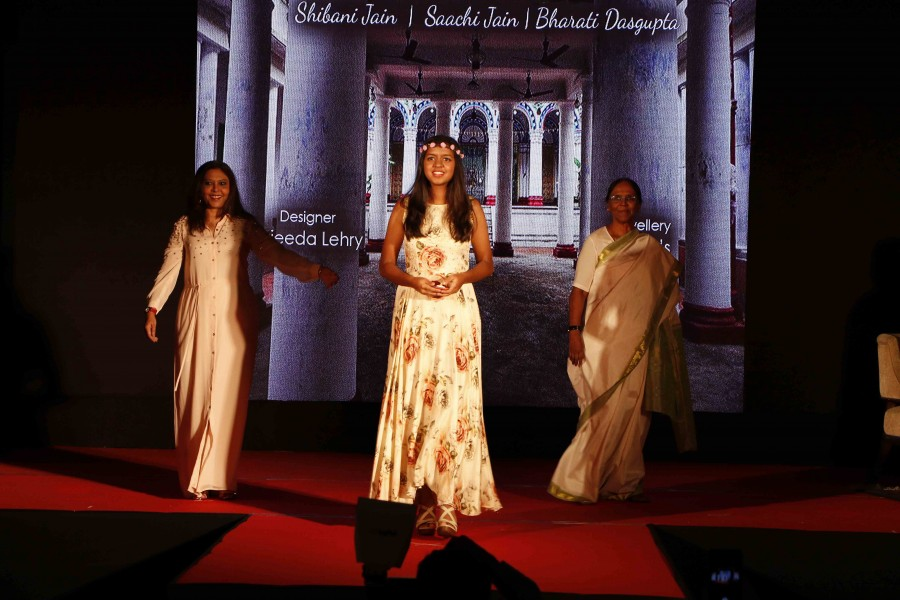 Riya Pillai,Madhu Shah,Riya Pillai and Madhu Shah,Riya Pillai and Madhu Shah ramp walk,Celebs ramp walk,actress Riya Pillai,actress Madhu Shah,fashion walk