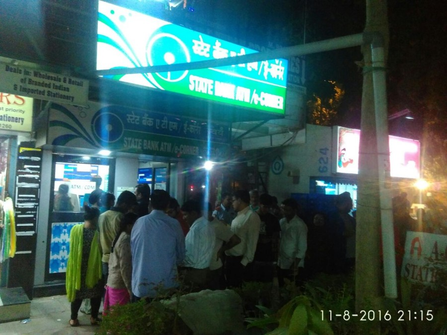 Rs 500,Rs 1000,Rs 1000 notes,Rs 1000 notes banned,Long queues at ATMs,Rs 500 notes,ATM kiosks,Prime Minister Narendra Modi,Narendra Modi