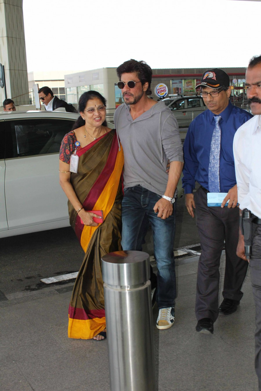 Shah Rukh Khan,Aishwarya Rai,Sanjay Dutt,Kajol,Radhika Apte,Shah Rukh Khan at Mumbai Airport,Aishwarya Rai at Mumbai Airport,Sanjay Dutt at Mumbai Airport,Radhika Apte at Mumbai Airport,Kajol at Mumbai Airport