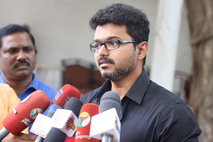Vijay press meet,actor Vijay press meet,Ilayathalapathy Vijay,Vijay press meet on cash issue