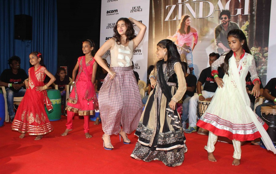 Alia Bhatt,Alia Bhatt celebrates Children's Day with kids,Alia Bhatt celebrates Children's Day,Children's Day,Children's Day celebrations,actress Alia Bhatt,Alia Bhatt pics,Alia Bhatt images,Alia Bhatt photos,Alia Bhatt stills,Alia Bha