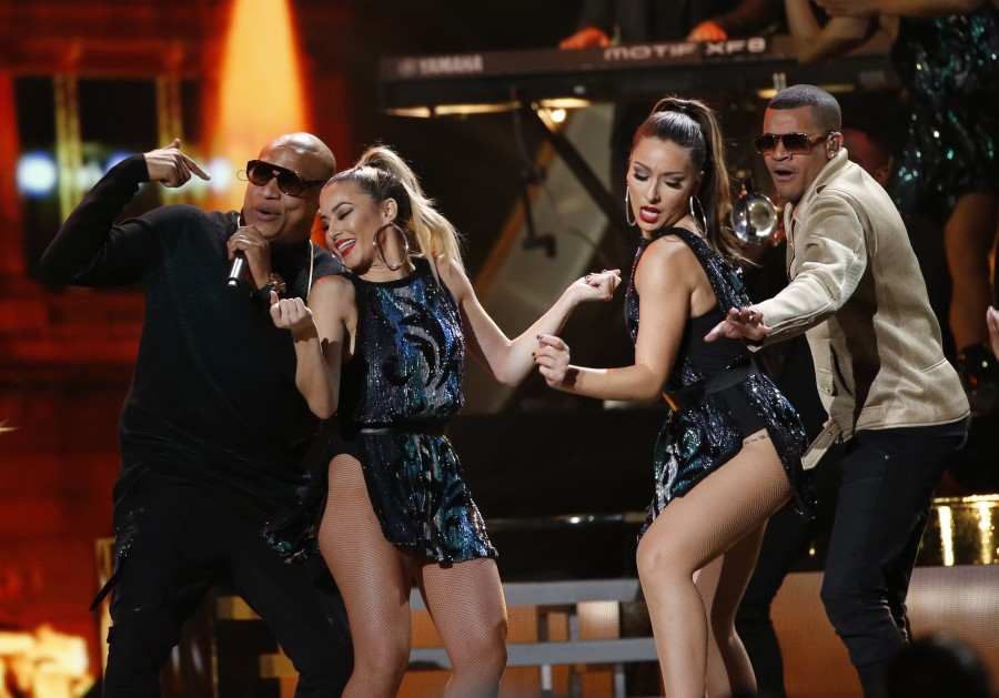 Latin Grammy Awards,Latin Grammy Awards 2016,Latin Grammy Awards pics,Latin Grammy Awards images,Latin Grammy Awards photos,Latin Grammy Awards stills,Latin Grammy Awards pictures