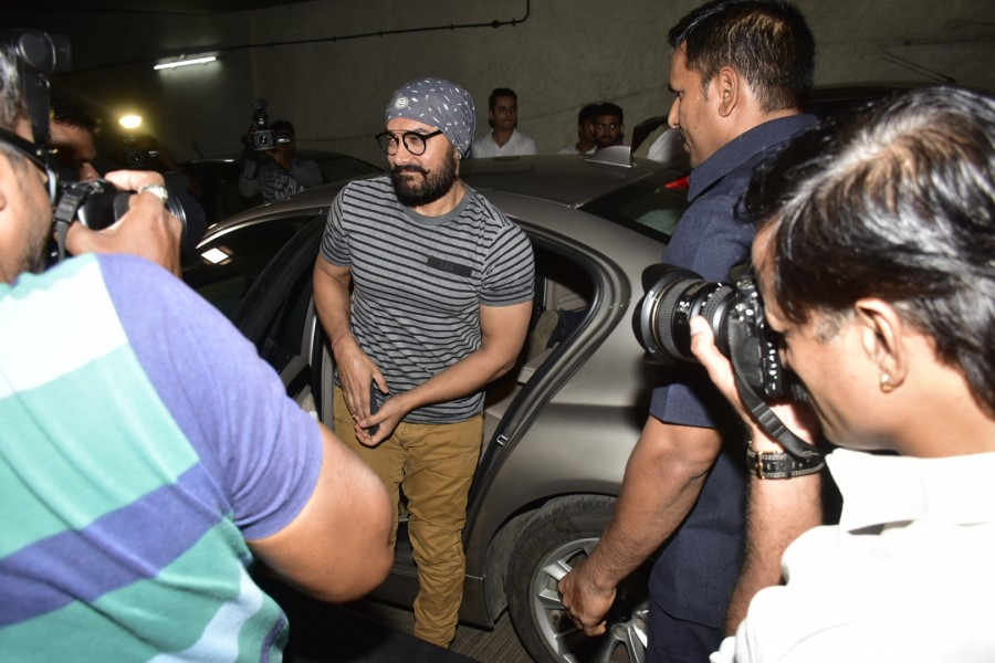 Aamir Khan,Aamir Khan  from 97 kgs to six packs,Aamir Khan six packs,Aamir Khan's six packs,Aamir Khan's body transformation,Aamir Khan body transformation,Mahavir Singh Phogat