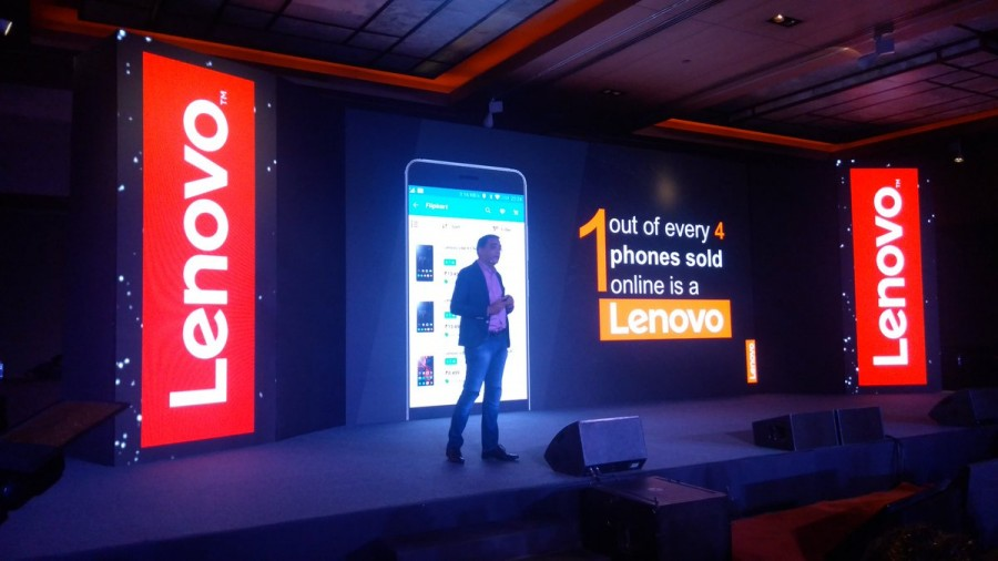 Samsung led the Indian smartphone market with 23 percentage share with 8 percent sequential growth followed by Lenovo Group (including Motorola) at second place with 9.6 percent share of smartphones in the third quarter of this year, IDC said.