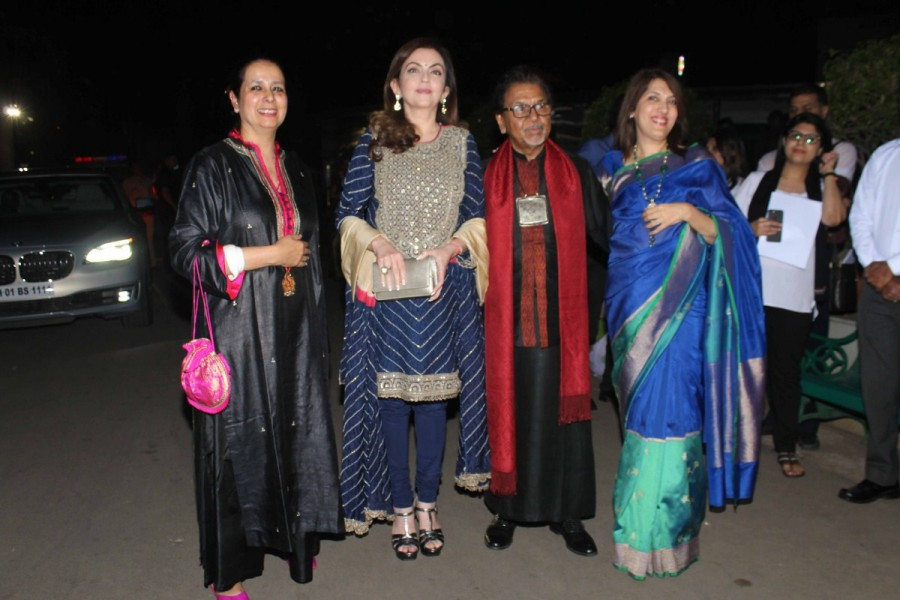 Sculptor Satish Gupta,Satish Gupta,Nita Ambani,The Silent Eternity,Inauguration of sculptor Satish Gupta show The Silent Eternity