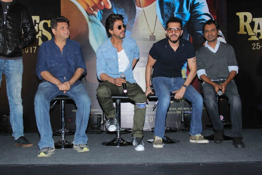 Shah Rukh Khan,Raees Trailer launch,Raees Trailer,Raees Trailer launch pics,Raees Trailer launch images,Raees Trailer launch photos,Raees Trailer launch stills,Raees Trailer launch pictures,Raees Trailer launch event
